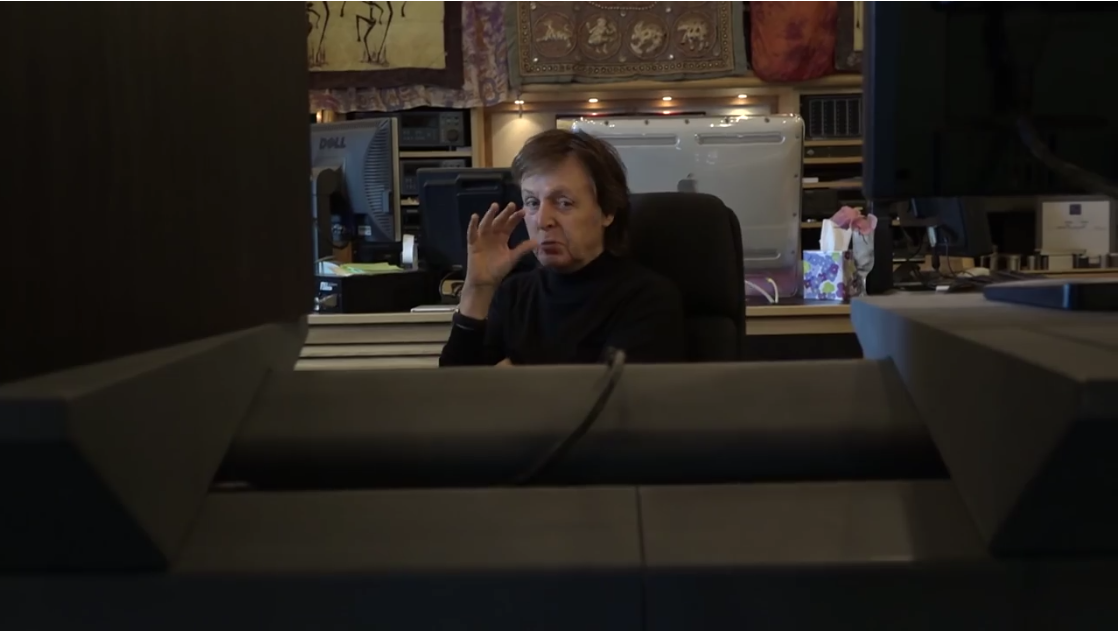 All you need is love: McCartney per Skype per le emoji dell'amore